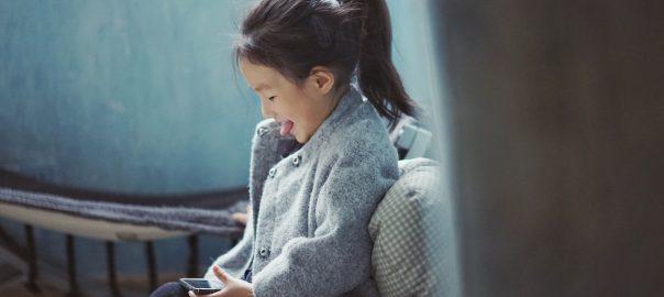 app játszás kislány